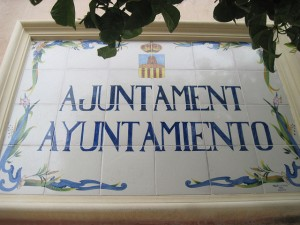 Placa de l'Ajuntament de Benissa (flickr de dmtgspain1)